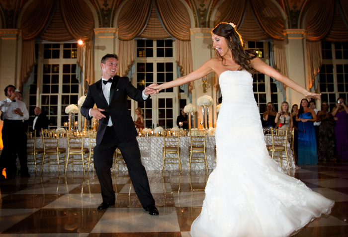 20 Must-Have Wedding Photos